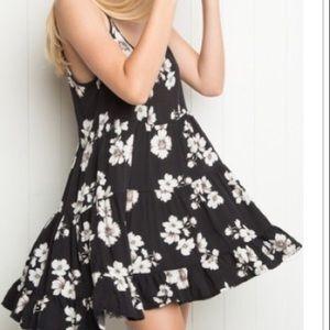 Brandy Melville Jada dress